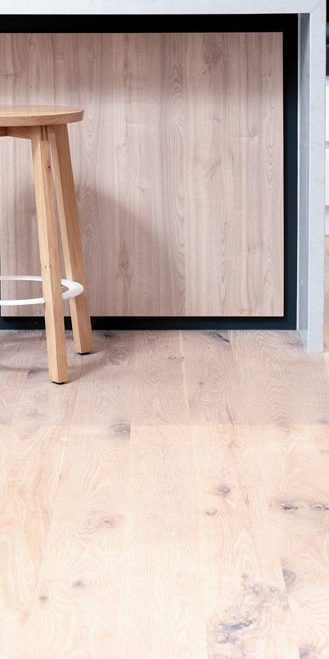 https://coastflooring.co.nz/wp-content/uploads/2020/04/JNY_6119副本-640x1280.jpg